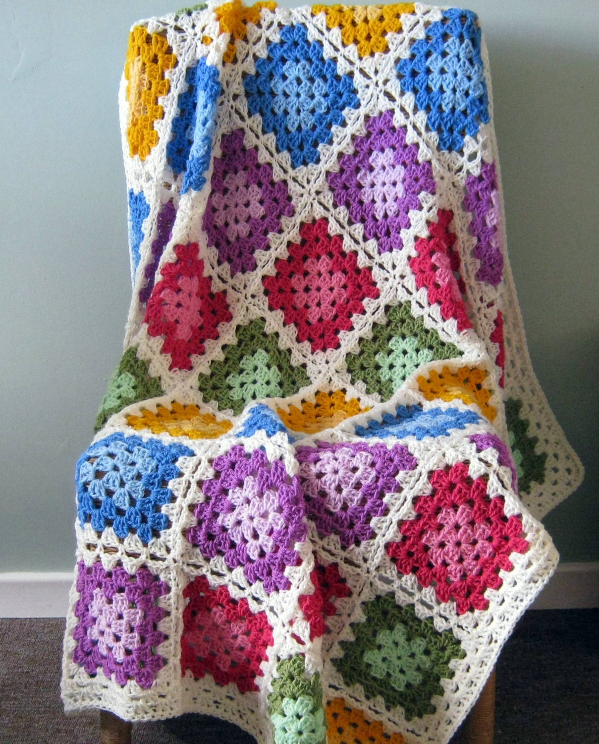 Afgan: GRANNY SQUARES Color Palette Crochet Afghan By Thesunroomuk