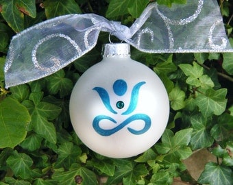 Personalized Ornament, Yoga Ornament - Gift for Yoga Lover - Hand Painted Christmas Ornament, yoga meditation pose, Zen, Yoga Instructor