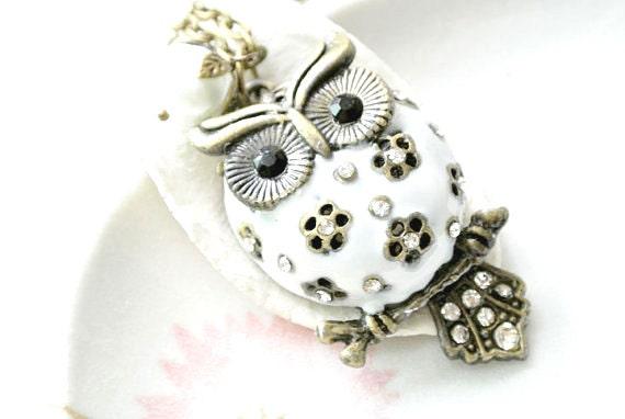 White Owl Necklace, Owl pendant Necklace,Woodland Animals Jewelry,Bird Jewelry, Cute Owl Necklace