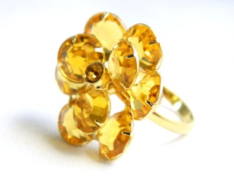 Vintage Yellow Amber Crystal Flower Cocktail Ring - Costume Ring - Adjustable