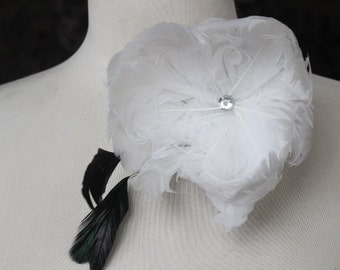 Feather flower  with clip and pin back  1 pieces listing  white color