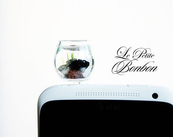 Black gold fish phone plug