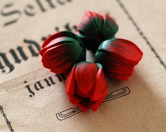 Tulip beads, Flower beads, statement beads, focal beads, flower pendants - red and green flower tulips buds polymer clay - 4 pcs