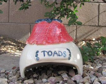 Toad House  Ceramic Pottery Ceramic Stoneware Garden Home Decor Toad House Ornament  Handmade Stoneware Pottery Frog House Garden Decoration