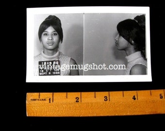 Bad Women Group Cleveland Ohio Police Department Criminal MUG SHOT 1966 19 Year Old Woman in Wig