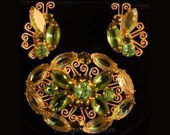 1950s Juliana Spring Green Rhinestone Pin Brooch and Earrings - Light Green Glass 50s 60s Demi Parure - Designer Delizza & Elster - 34523-1