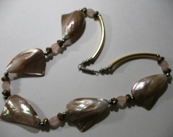 Vintage Necklace with Mother of Pearl Shell and Rose Quartz