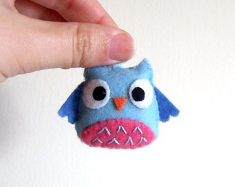 Light blue and pink happy owl keychain plushie softy
