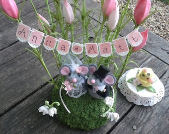 Garden Mouse Wedding Cake Topper / Special Order / Personalized / Free Shipping in USA