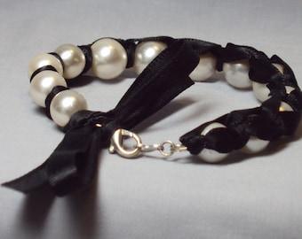 black cream ribbon pearl bracelet