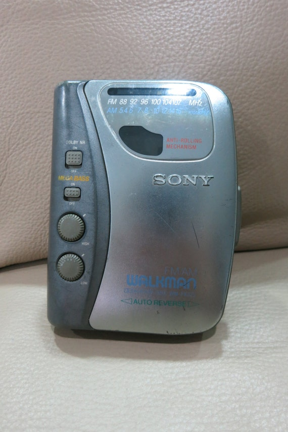 Guess The 90s Electronics Cd Player Vintage 90s Sony Walkm...