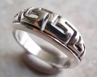Greek Key Ring Sterling Silver Size 7-3/4 Vintage GS0009