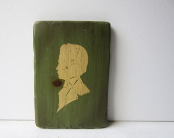 Vintage Rustic Portrait Silhouette Wall Art Plaque / Wall Hanging - Green & Cream