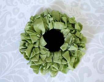 Vintage Compact Mirror Green Grosgrain Ribbon and Black Felt  /  Hand Made Ribbon Flower Pocket Mirror  /  Green Compact Mirror