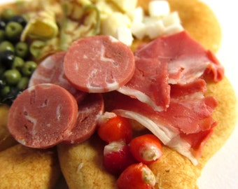 Shamrock Bread With Antipasto