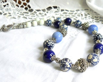 delft blue necklace delft blue jewelry delft jewelry blue necklace blue and white necklace delft necklace