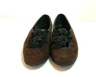 Vintage Brown Suede Shoes With Black Ribbon Roses
