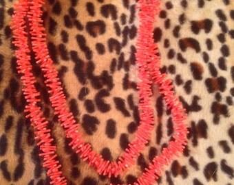 Vintage 1950s plastic coral necklace VLV rockabilly