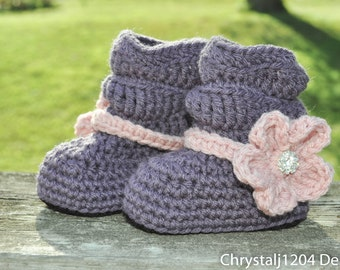 Crochet Baby Slouch Booties Boots, custom colors with flower (detachable). Made to order. You choose the color.
