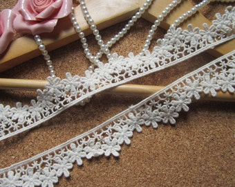 Off White Cotton Lace Trim Flowers Embroidery Lace 1.1 Inches Wide 2 yards