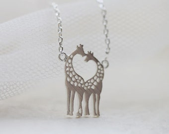 The Heart in two loving Giraffe Necklace- S2335-1