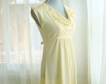 1970's Soft Yellow Formal Dress, Prom, Bridemaid Gown,  Size Small