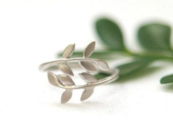 Matte silver leaf ring
