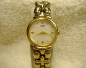 Vintage 1980s Citizen Mother of Pearl Quartz Watch