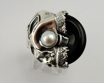 Israel handmade unique 925 Sterling Silver Onyx and Pearl woman Ring size 8 (h 172D)