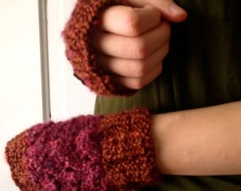 Raspberry and Chocolate Two Tone Fingerless Gloves Acrylic Yarn CLEARANCE!