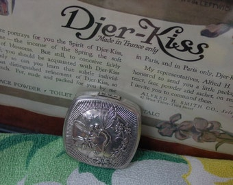 Lovely Vintage Djer Kiss Silver Plated Compact, Art Nouveau Kissing Fairies