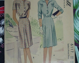 Vintage Pattern c.1945 McCall No.6117 Dress Size 12  Uncut