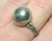 Mexico Silver Ring, Ball Orb Sphere, Mid Century Modern. No Stone. Size 6