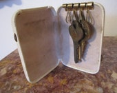 Vintage Key Case Holder Hard Cover Key Wallet