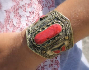 Vintage Coral Cuff Bracelet FREE DOMESTIC SHIPPING