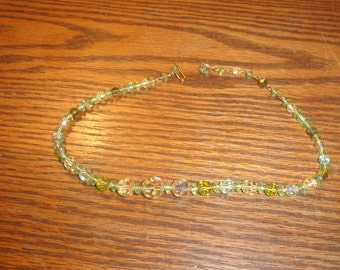 vintage necklace green glass beads choker