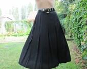 Pleated Skirt / Pleated Skirts / Skirt Vintage / Black Pleated Skirt / Size EUR 44 / UK16