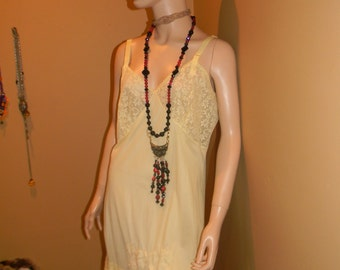 CHIFFON Yellow  Varsette Peignoir & Night dress/Slip.Nano Flower Designer Lingerie .Pan Collar. 2  piece .MAD Men Nightie
