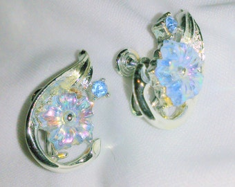 Vintage Coro 1950's Blue Thermoset Flower Earrings