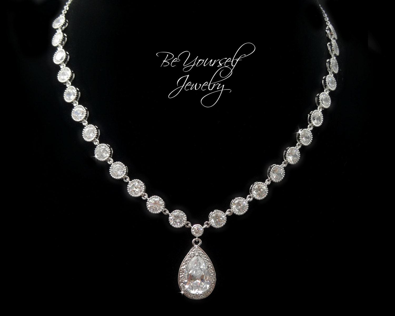 Wedding Jewelry Bridal Necklace Bride Necklace Cubic Zirconia Teardrop Wedding Accessory White Crystal Pendant Statement Wedding Necklace