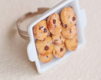 COOKIE TRAY RING - chocolate chip cookie ring - miniature food jewelry