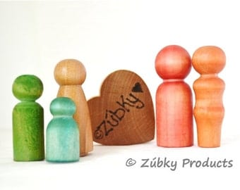 Natural Little Wooden People Family by Zúbky - Five Piece Set - Waldorf Montessori Wood Toys for Christmas