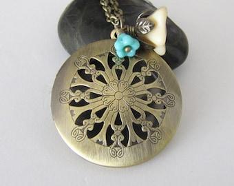 Antique Locket Necklace Floral Locket Necklace Photo Locket Antique Locket Jewelry, Vintage Style