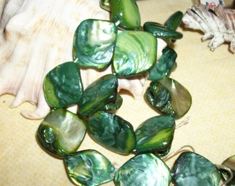 Green Mother of Pearl shell diamond shaped beads- 21 mm- 20 pcs