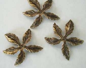 2-Flower Antiqued  Brass Ox Stamping Ornament Embellishment Jewelry Findings.