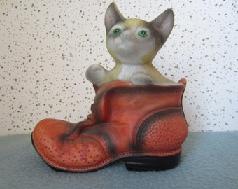 Porcelain Figureine, Kitten in a Shoe or Puss in Boot