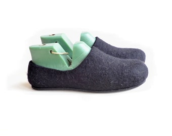 Felted slippers with soles- black -men slippers