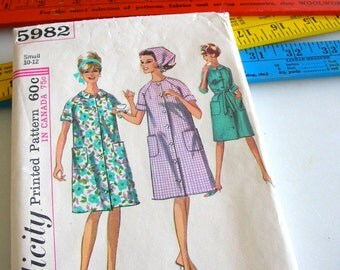 Vintage 1960s Simplicity House Coat Pattern 5982 Size10-12 Kerchief  from The Back part of the Basement