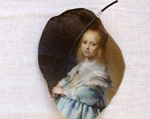 Alangium leaf printed with the Rijksmuseum painting 'Portrait of a girl in blue'