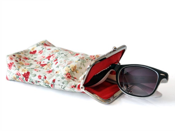 Sunglasses Case - Spring Floral cotton  - Kiss Lock Silver Frame